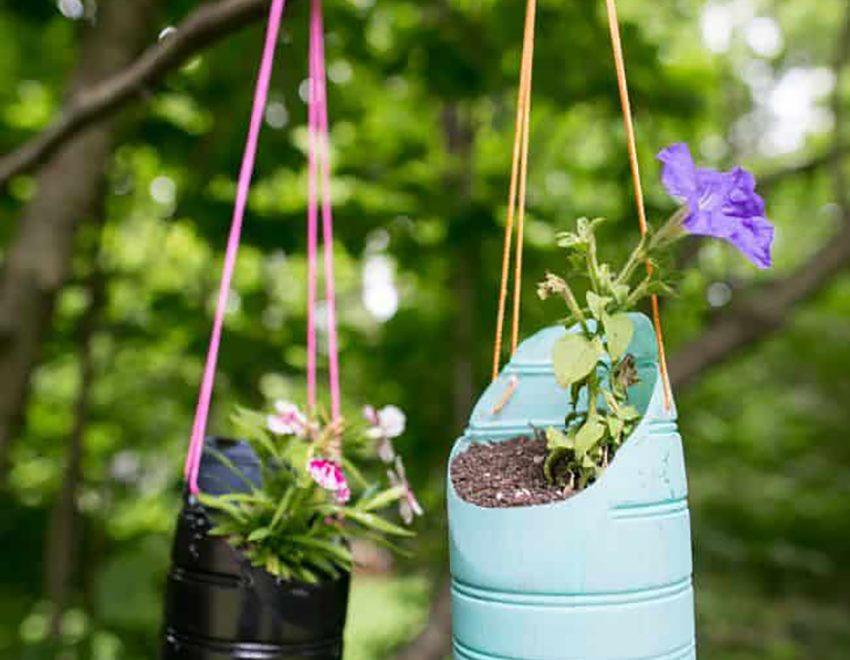 Recyklované visiace kvetináče